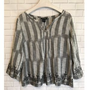 Lucky Brand Top Blouse Size Small Embroidered